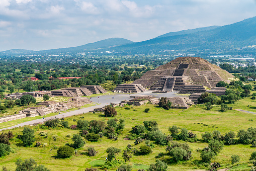 Indigenous Culture「Ancient Teotihuacan pyramids and ruins in Mexico City」:スマホ壁紙(12)