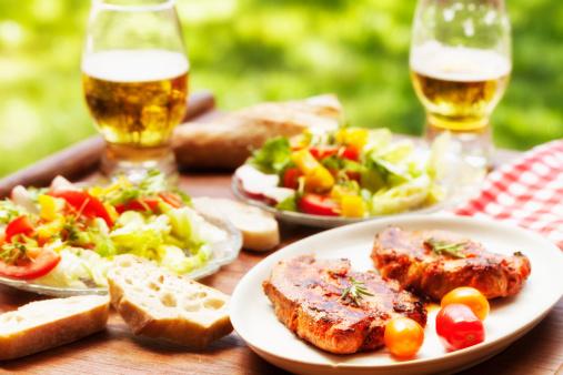 Picnic「barbecue pork loin chop salad and beer」:スマホ壁紙(2)