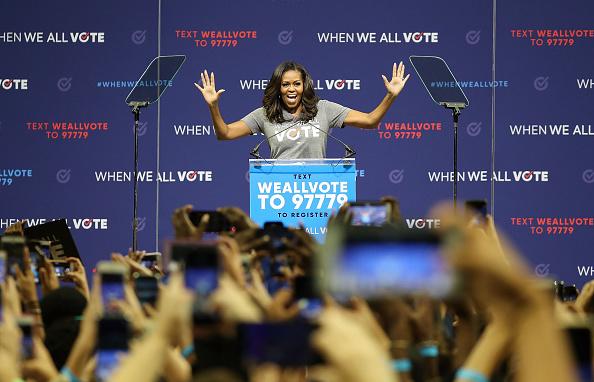 Joe Raedle「Michelle Obama Addresses Voter Registration Rally In Florida」:写真・画像(0)[壁紙.com]