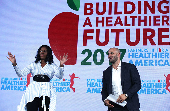 USA「Former First Lady Michelle Obama Speaks At The Partnership for a Healthier America Summit」:写真・画像(14)[壁紙.com]