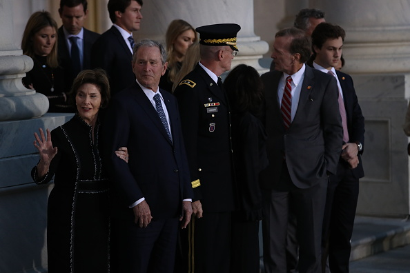 Win McNamee「Congressional Leaders Host Arrival Ceremony  At Capitol For Late President George H.W. Bush」:写真・画像(6)[壁紙.com]