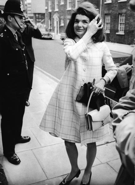 Bag「Jackie Kennedy Fixes Her Hair」:写真・画像(17)[壁紙.com]