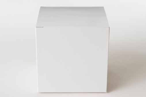 Package「Isolated shot of closed blank cube box on white background」:スマホ壁紙(7)