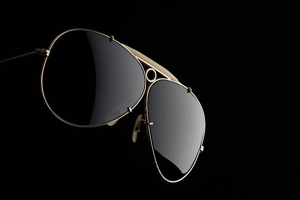 Isolated shot of Sunglasses on black background:スマホ壁紙(壁紙.com)