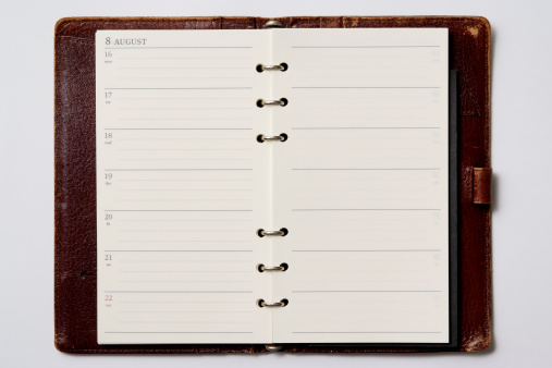 Diary「Isolated shot of opened blank personal organizer on white background」:スマホ壁紙(2)