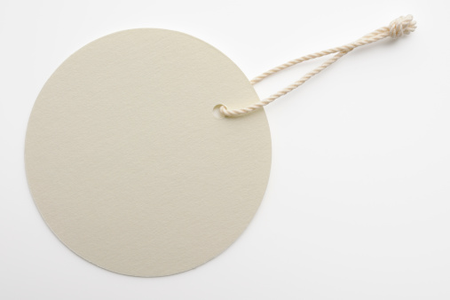 String「Isolated shot of blank white round tag on white background」:スマホ壁紙(1)