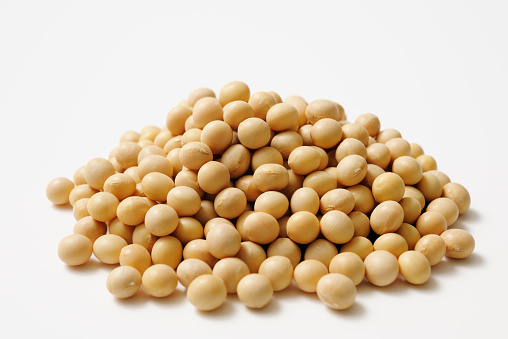 Tofu「Isolated shot of stacked dried soybeans on white background」:スマホ壁紙(9)