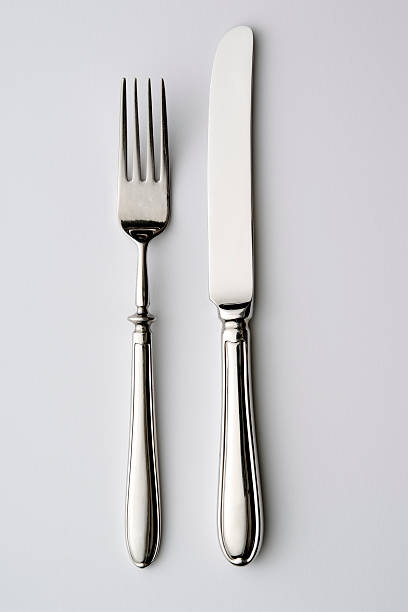 Isolated shot of knife and fork on white background:スマホ壁紙(壁紙.com)