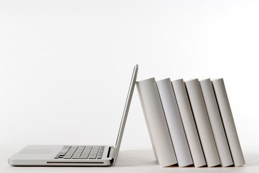 Learning「Isolated shot of laptop leaning blank books on white background」:スマホ壁紙(13)
