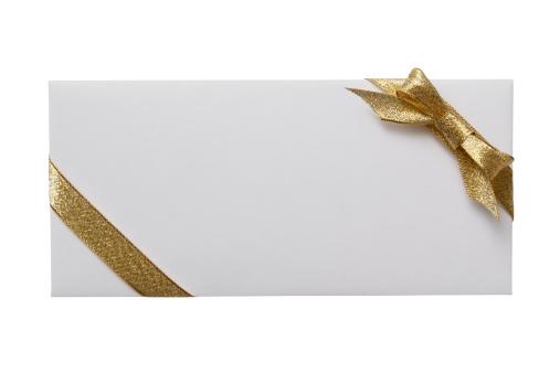 プレゼント「絶縁ショットの白封筒を背景にホワイトの装飾」:スマホ壁紙(11)