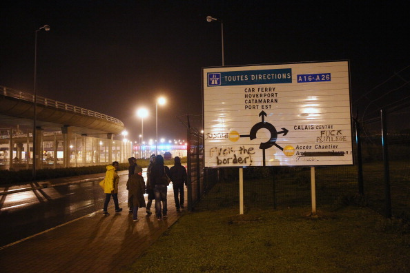 Calais「Migrants Gather At Calais Border Pressure Point」:写真・画像(1)[壁紙.com]
