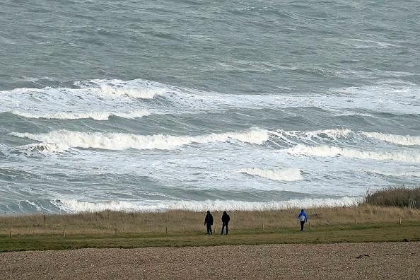 Sangatte「Migrants Gather Along The Northern French Coast」:写真・画像(8)[壁紙.com]