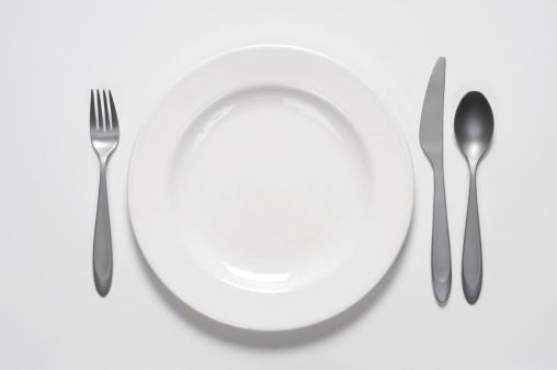 Spoon「White plate and silverware」:スマホ壁紙(16)