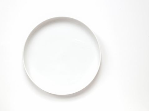 Crockery「White plate on white background with room for type」:スマホ壁紙(2)