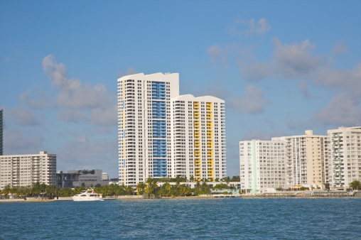 Miami Beach「Colorful high rises above blue waters」:スマホ壁紙(15)