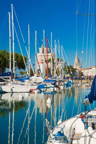 Nouvelle-Aquitaine「Boats in La Rochelle harbour La Rochelle Charente-Maritime Poitou-Charentes France 」:スマホ壁紙(15)