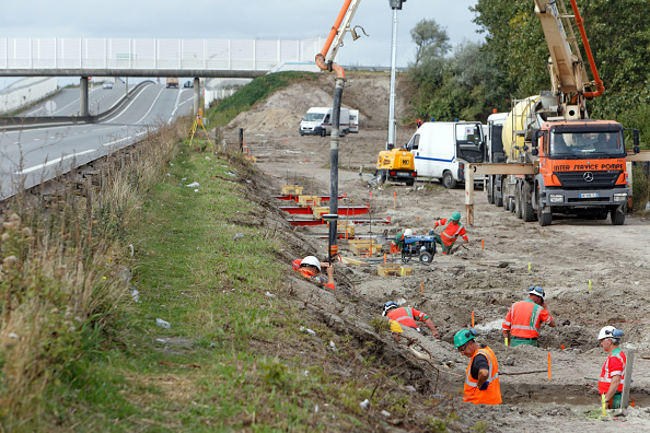 Calais「Construction Of The Security Wall In Calais Is Underway」:写真・画像(9)[壁紙.com]