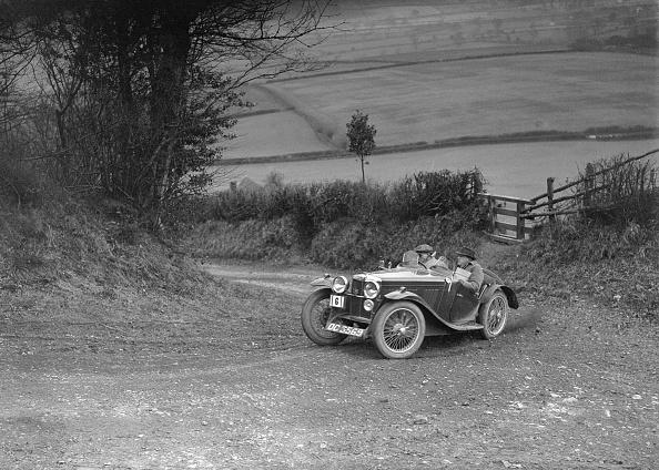 Corner「MG J2 of AJ Milburn competing in the MG Car Club Midland Centre Trial, 1938」:写真・画像(11)[壁紙.com]