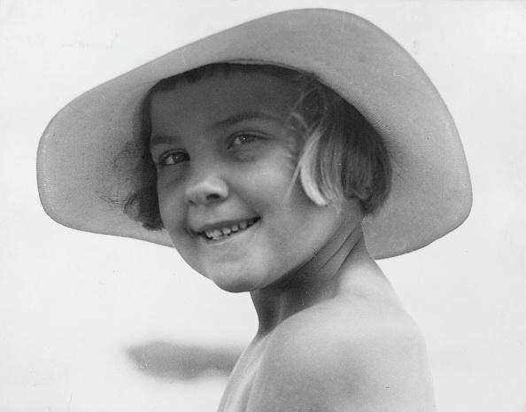 General Photographic Agency「Girl In Hat」:写真・画像(13)[壁紙.com]