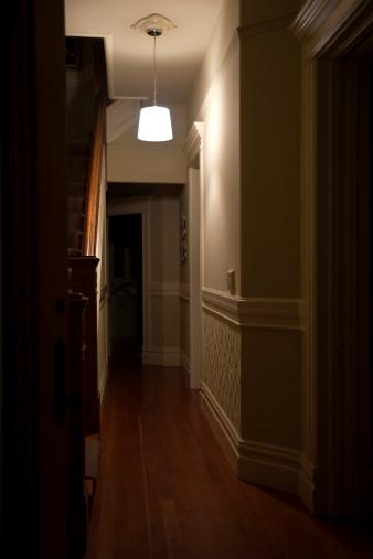 Architectural Feature「Dark Hallway」:スマホ壁紙(11)