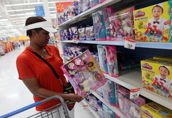 Holiday - Event「In Weak Economy, Wal-Mart Expands $10-Toy Promotion For Holiday Season」:写真・画像(16)[壁紙.com]