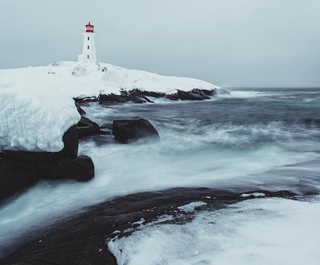 吹雪「ペギーズコーブの灯台で氷」:スマホ壁紙(10)