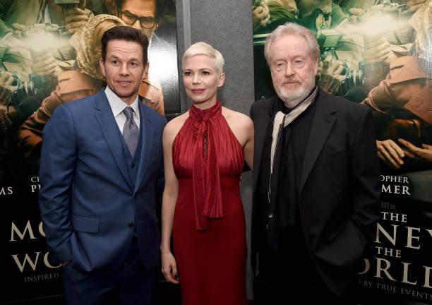マーク・ウォールバーグ「Premiere Of Sony Pictures Entertainment's 'All The Money In The World' - Red Carpet」:写真・画像(14)[壁紙.com]