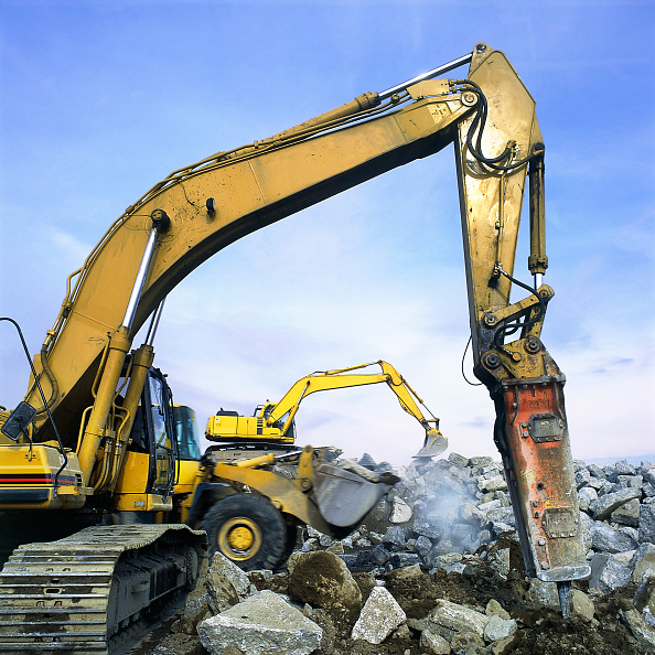 2002「Hydraulic breaker attachment on Caterpillar excavator with Komatsu wheeled loader and excavator in background. John F Kennedy International Airport. New York, USA.」:写真・画像(19)[壁紙.com]