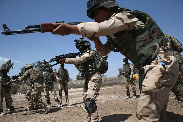 Military Base「U.S. Military Trains Iraqi Army」:写真・画像(3)[壁紙.com]