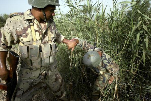 George Groves「Iraqi Troops Help Secure Baquba」:写真・画像(19)[壁紙.com]
