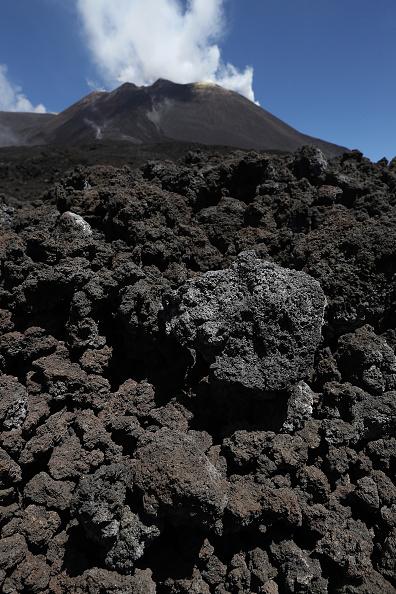 Active Volcano「Travel Destination: The Simmering Volcano Of Mount Etna」:写真・画像(13)[壁紙.com]