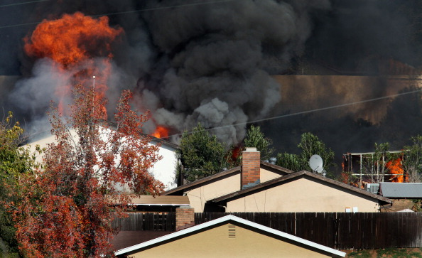 Sandy Huffaker「House Found With Large Cache Of Homemade Explosives Burned To Dispose Of Materials」:写真・画像(9)[壁紙.com]