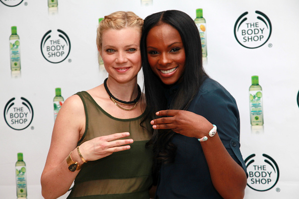 Amy Smart「The Body Shop Three-Minute Shower Challenge With Eco-Activists Amy Smart And Tika Sumpter」:写真・画像(13)[壁紙.com]
