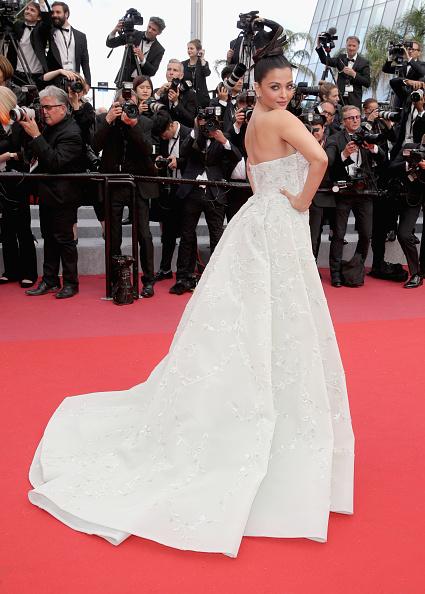 "Aishwarya Rai「""Sink Or Swim (Le Grand Bain)"" Red Carpet Arrivals - The 71st Annual Cannes Film Festival」:写真・画像(18)[壁紙.com]"