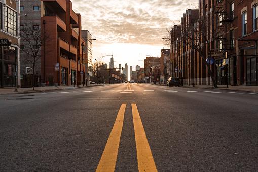 USA「Chicago City empty streets under the coronavirus. City under lockdown.」:スマホ壁紙(3)
