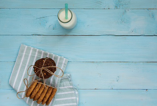 Napkin「Milk bottle and cookies」:スマホ壁紙(11)