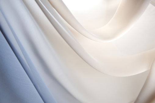 Glowing「Graduated silk from blue to white」:スマホ壁紙(16)