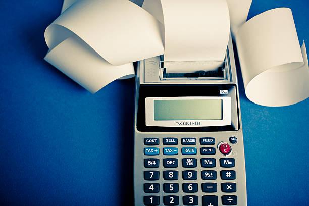 calculating expenses:スマホ壁紙(壁紙.com)