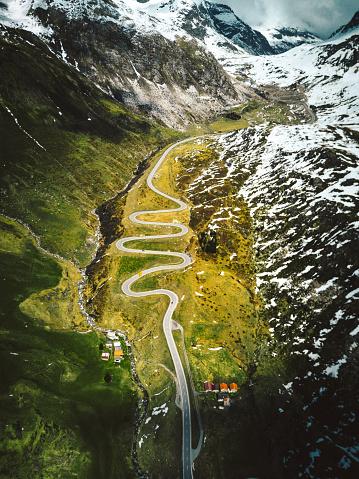 Hairpin Curve「julier pass road in switzerland」:スマホ壁紙(13)