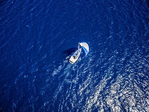 Helicopter「ヨットとヨット、ドローンからの眺め」:スマホ壁紙(16)