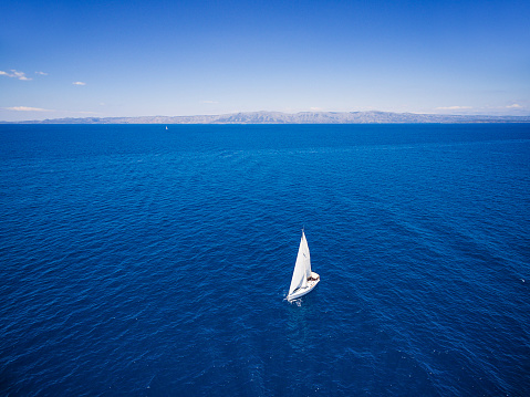 Cruise - Vacation「Sailing with sailboat, view from drone」:スマホ壁紙(0)