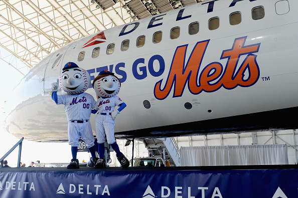 Kennedy Airport「Delta Air Lines Unveils Let's Go Mets Aircraft」:写真・画像(1)[壁紙.com]