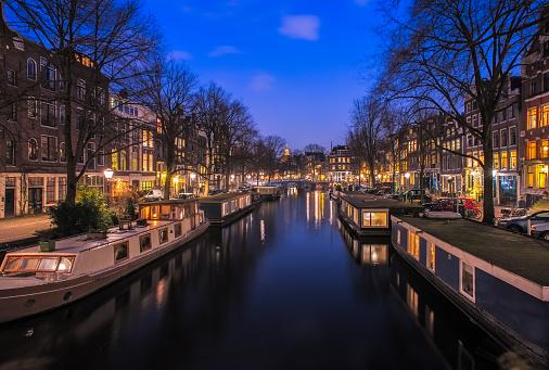 Amsterdam「Buildings along the canal, Amsterdam, Holland」:スマホ壁紙(0)
