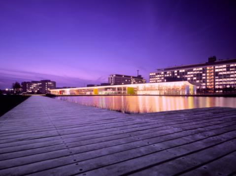 North Brabant「Sunset at a modern illuminated business park」:スマホ壁紙(11)