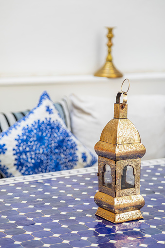 Morocco「Morocco, golden latern on table」:スマホ壁紙(1)