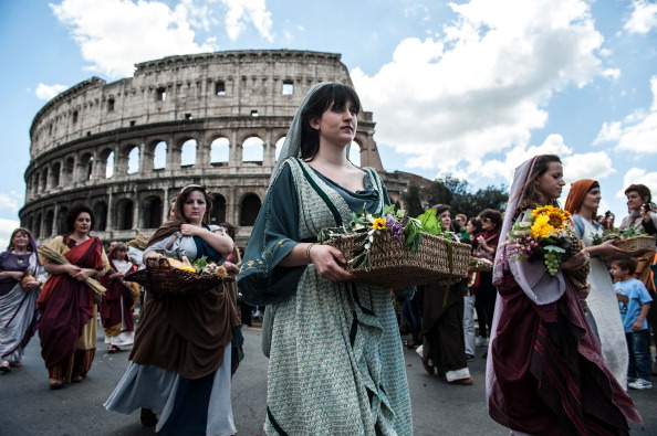 Coliseum - Rome「Romans Celebrate the 2,766th Anniversary of Their City」:写真・画像(6)[壁紙.com]