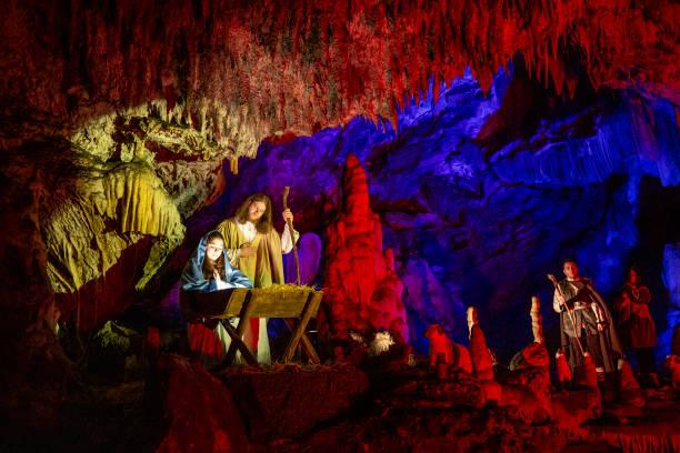 The Living Nativity Scenes in Postojna Cave:ニュース(壁紙.com)