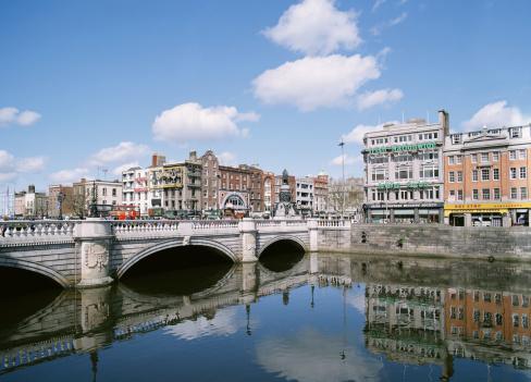 Liffey River - Ireland「Ireland, Dublin, O'Connell bridge over Liffey river」:スマホ壁紙(15)