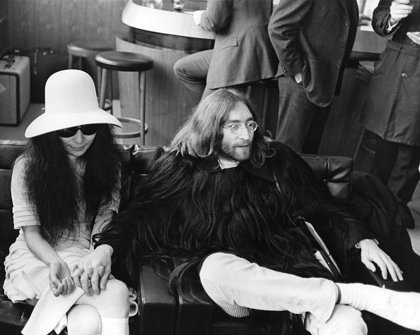 Lifestyles「Ono & Lennon At Airport」:写真・画像(5)[壁紙.com]