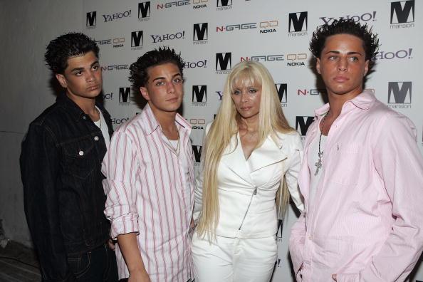 Peter Kramer「Paris Hilton Hosts Party For David LaChapelle At Mansion」:写真・画像(5)[壁紙.com]